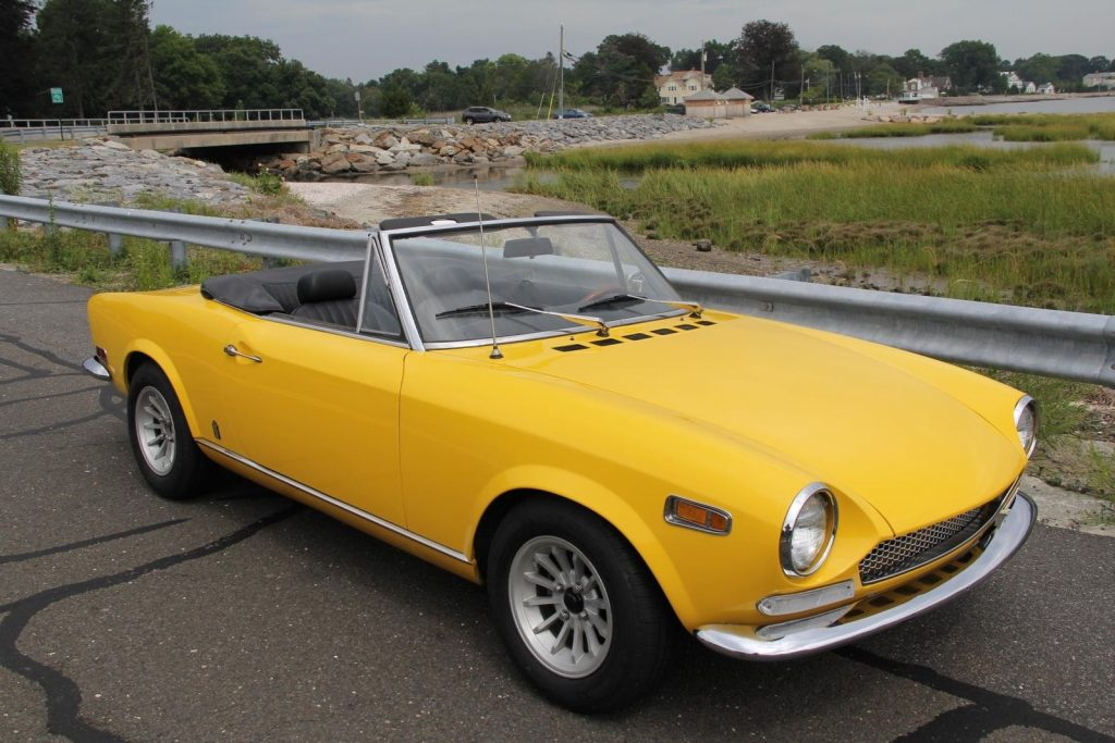 FULLY RESTORED 1970 Fiat 124 Spider